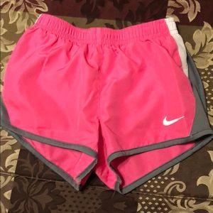 Nike shorts pink 4t